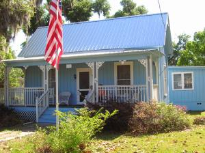 Little Blue House in Crescent City